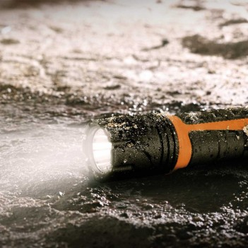 Lampe de poche LED à batterie professionalLINE Brennenstuhl